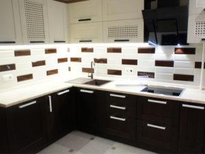кухня с дубовыми фасадами